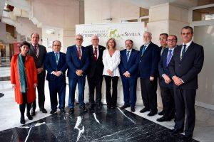 El Colegio Oficial de Veterinarios de Sevilla celebra la entrega de distinciones y la admisión de nuevos colegiados